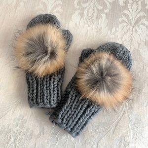 Linda Richards Knit Mittens w/ Fur